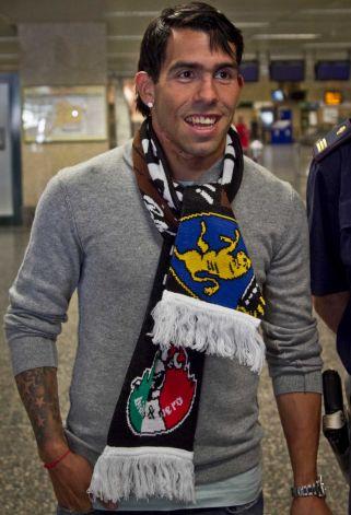 Carlos Tevez at Turin airport